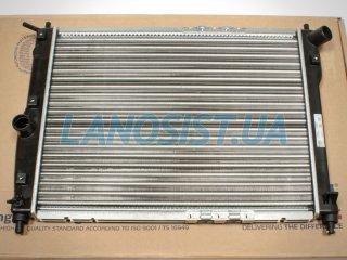 Радиатор Ланос (основной, без кондиционера) Nissens 61644