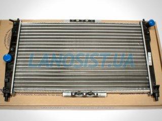 Радиатор Ланос (основной, с кондиционером) Nissens 61654